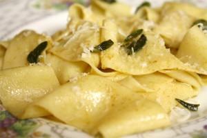 Pappardelle au parmesan et au beurre brun
