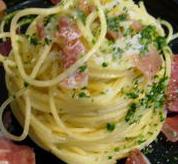 Bucatini au gorgonzola et jambon de Parme
